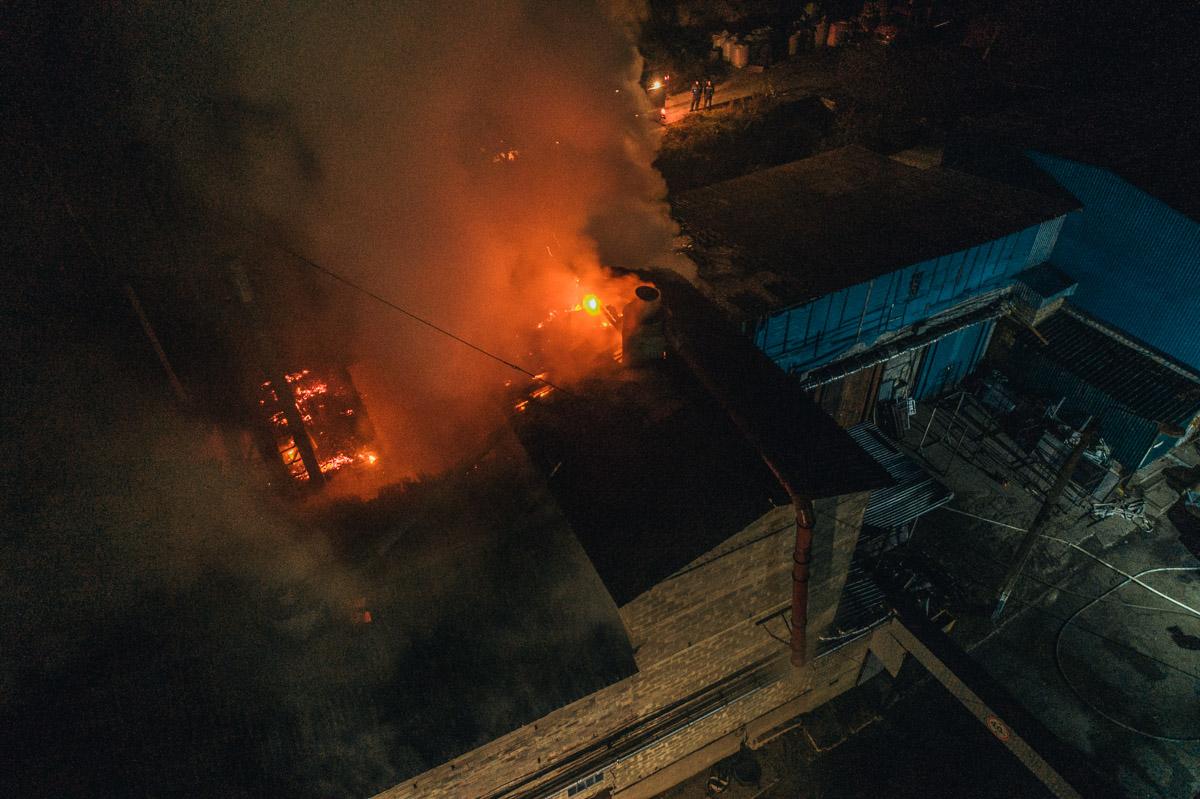 В ночь на 8 ноября в Киеве по адресу улица Лысогорская, 12 произошел пожар