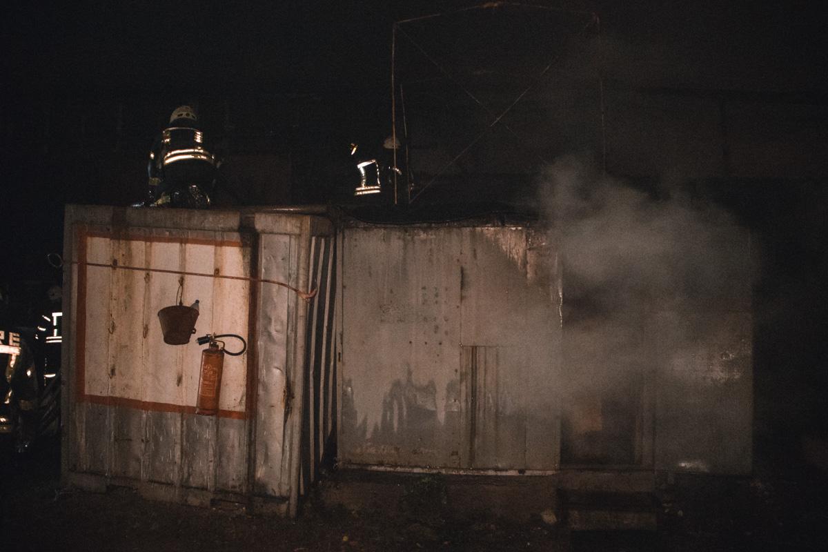 На пожар выехало много пожарной техники