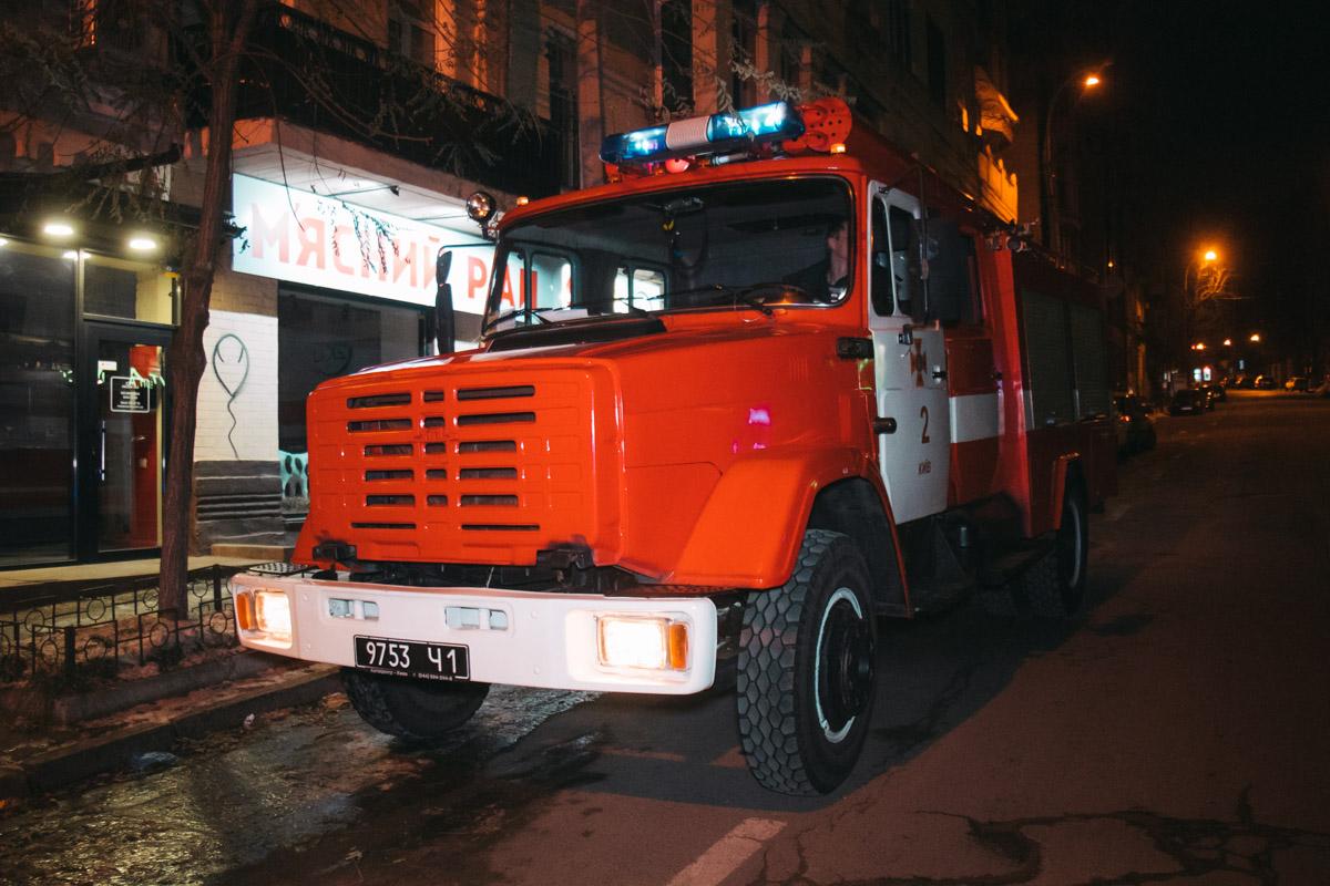 На месте работало две единицы пожарной техники