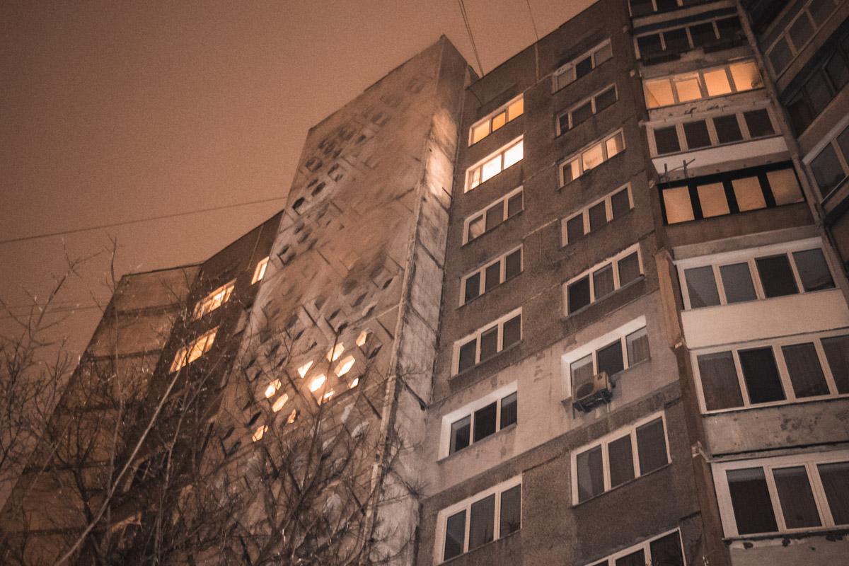 25 ноября в Оболонском районе Киева начался пожар в квартире жилого дома