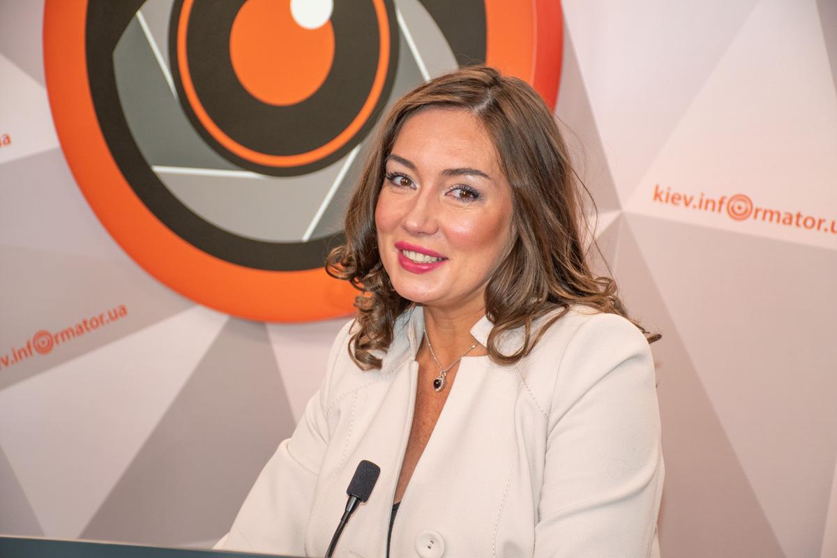 Известная украинская телеведущая и адвокат Наталья Розинская объяснила, куда обращаться, если получил травму на улице в гололед