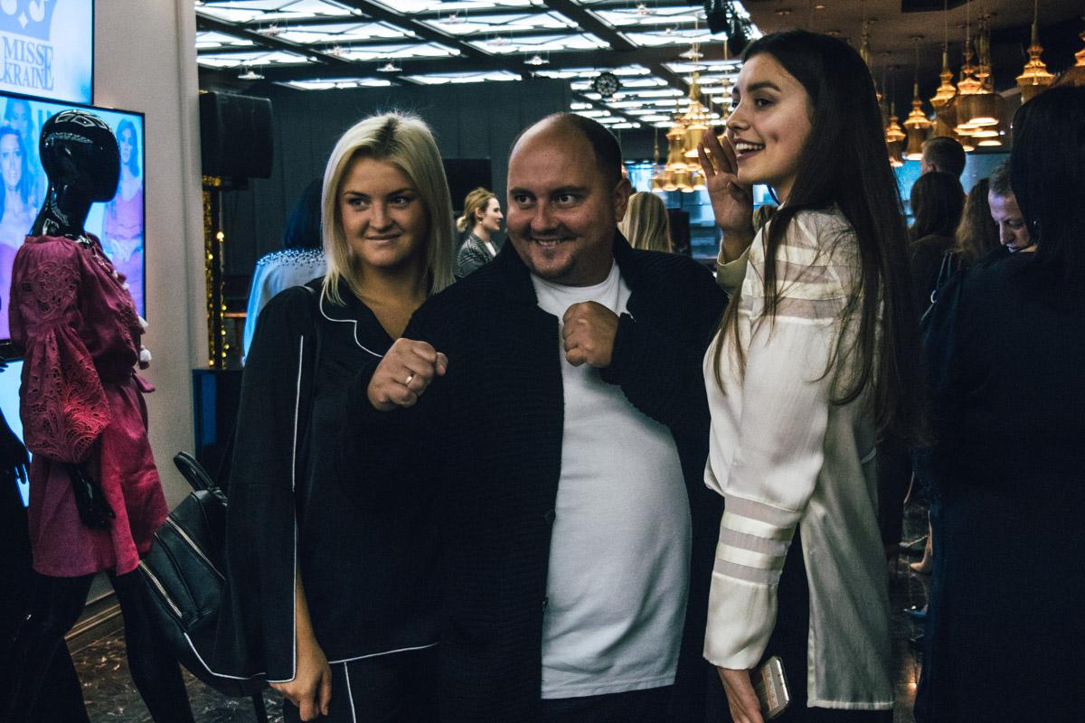 Юрий Ткач всегда приходит на события со своей любимой супругой