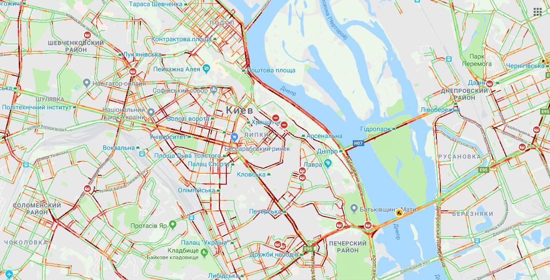 В Киеве образовались сильные 8-балльные пробки