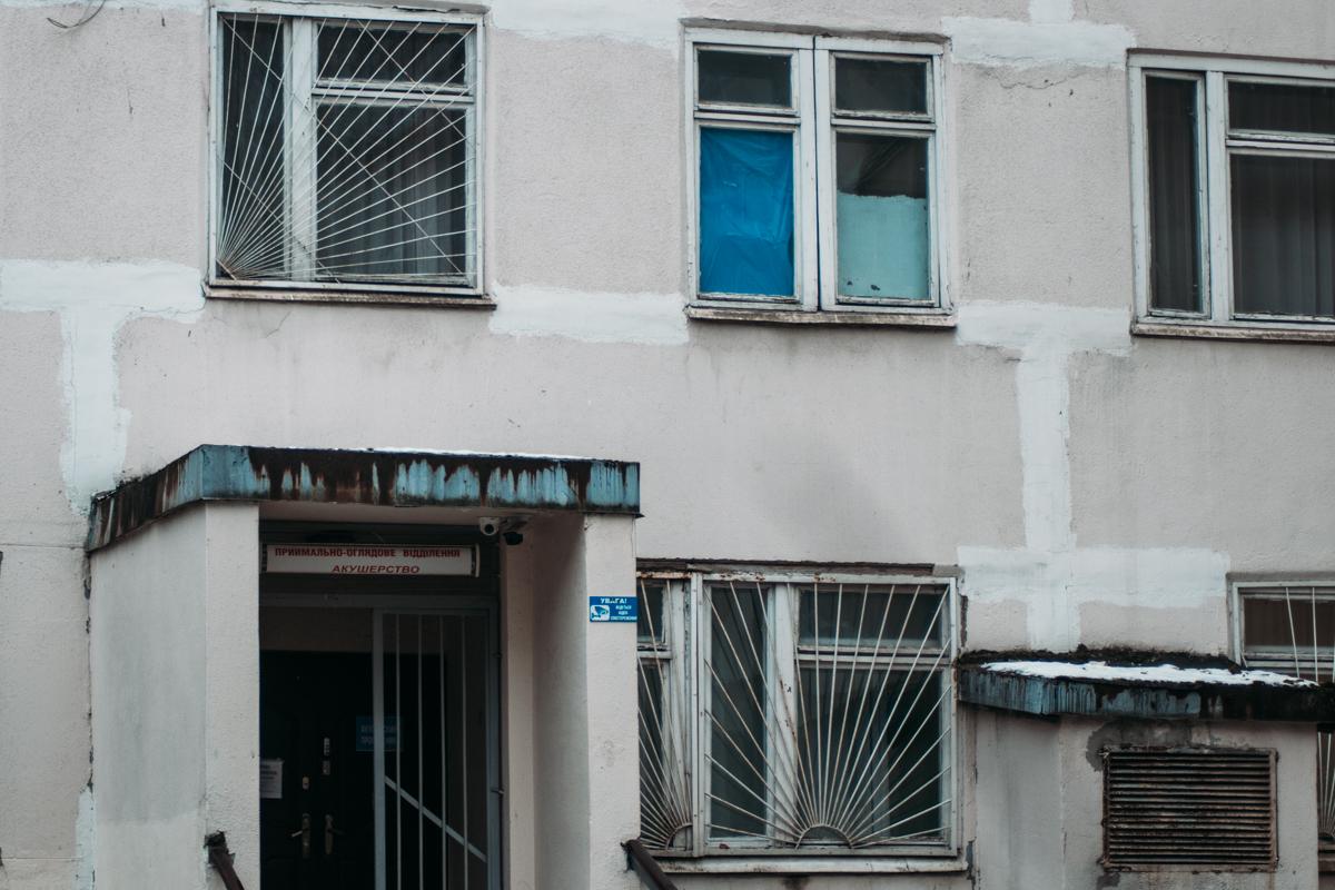 Тяжело с такими окнами сохранить в помещениях тепло
