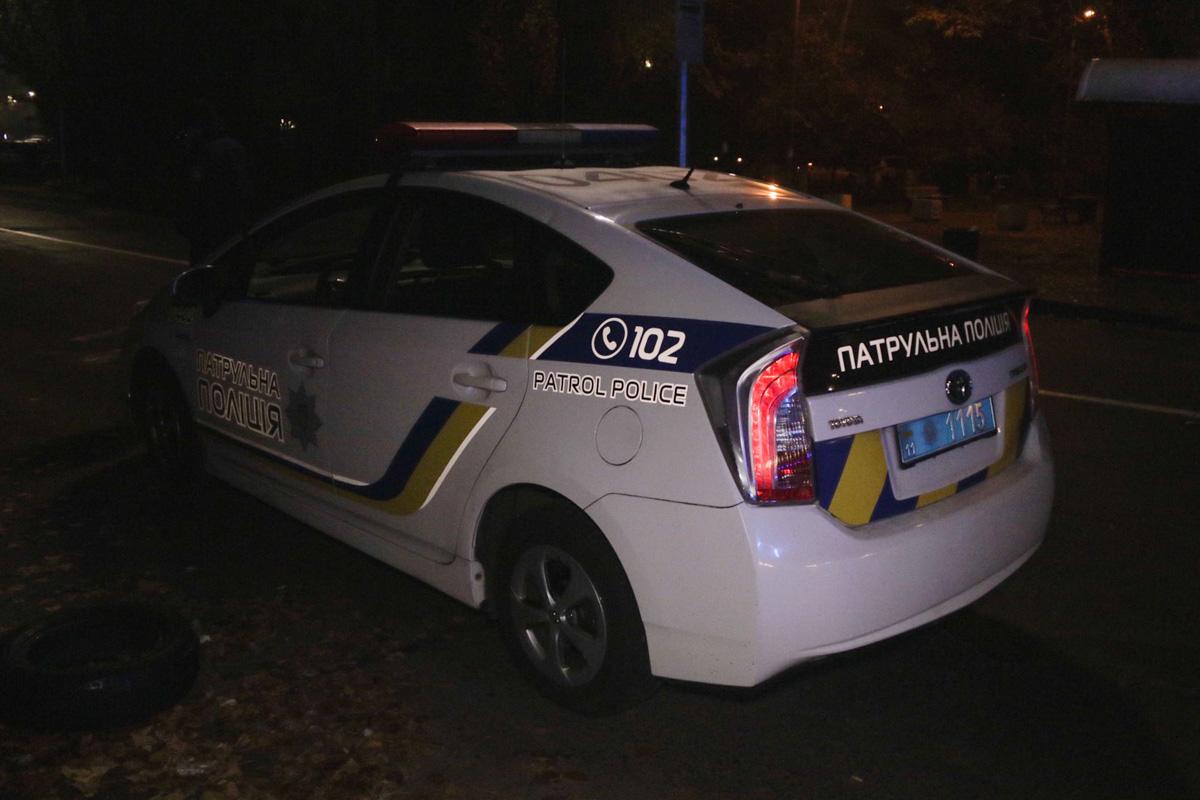 В Киеве по адресу улица Энтузиастов, 47 неизвестные стреляли в мужчину