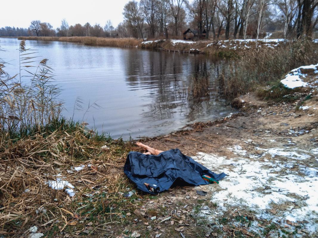 В Киеве на Оболони утопился 28-летний мужчина