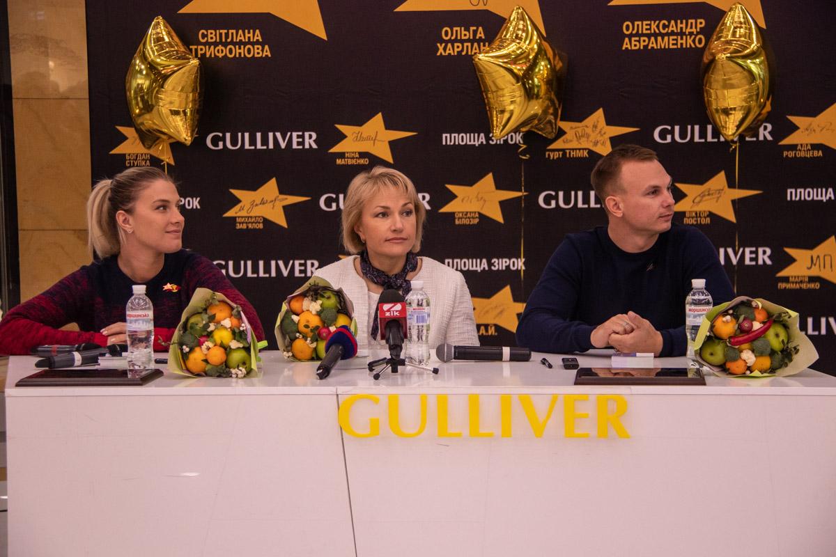 В ТРЦ Gulliver прошла автограф-сессия с олимпийскими призерами