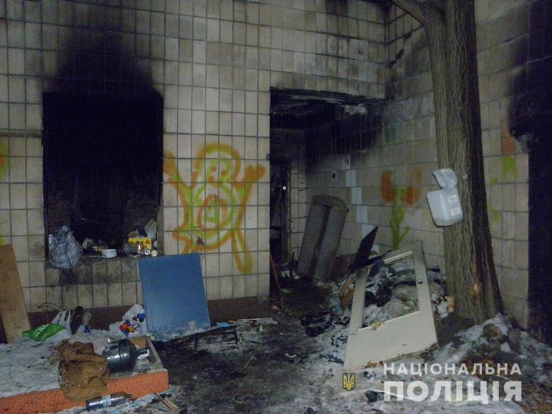 В доме на улице Котельникова обнаружили 35-летнюю женщину со смертельным ножевым ранением