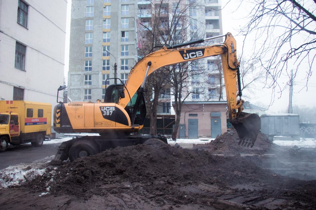 4 декабря в Голосеевском районе Киева произошел прорыв трубы