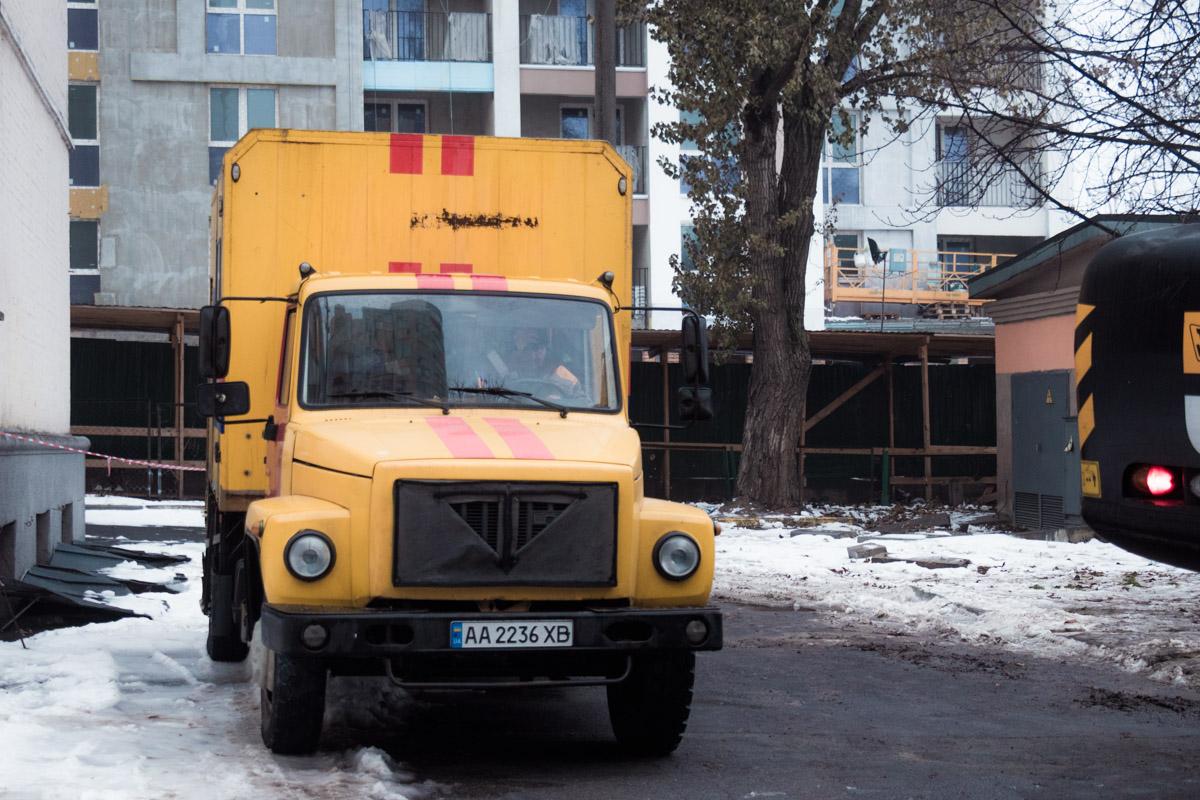 Сотрудники аварийной службы «Киевтеплоэнерго» утверждают, что даже учитывая, что поломку устранили, им пока неизвестно, появилось ли отопление в домах