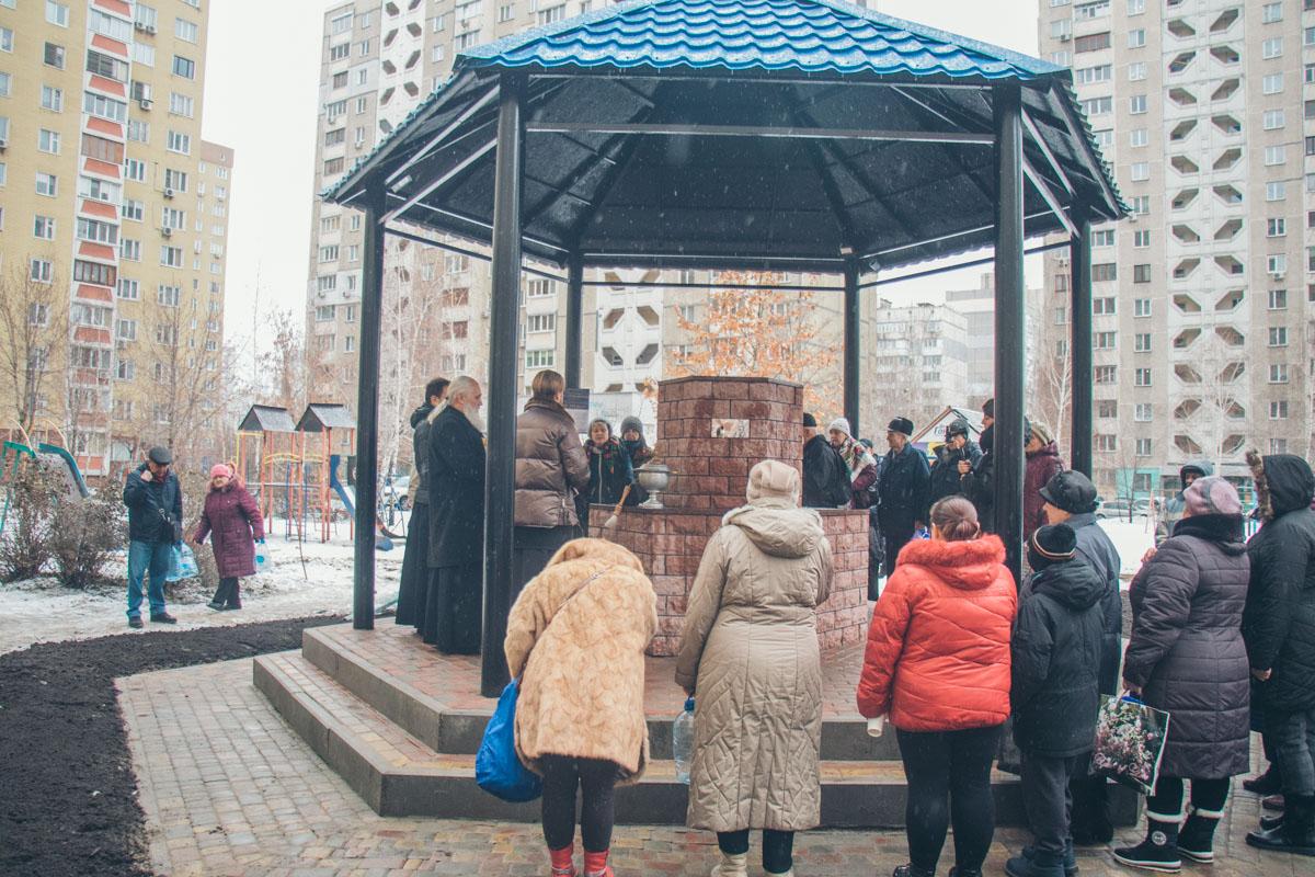 29 декабря в Дарницком районе Киева открыли новый бювет с чистой водой