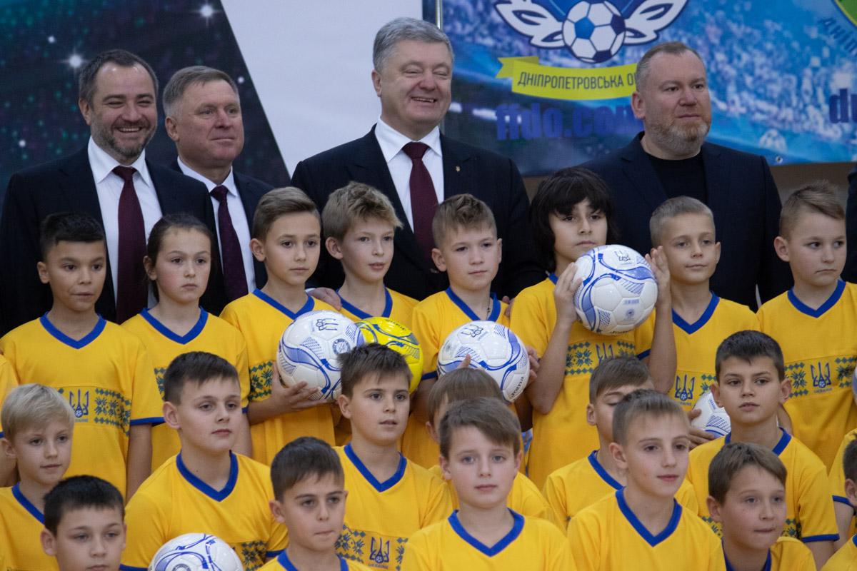 Президент Украины посетил поселок Слобожанское