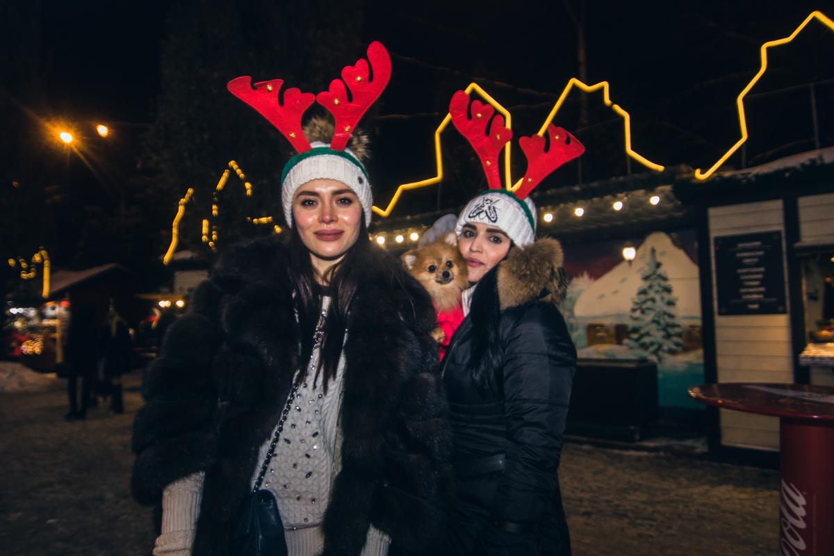 """Вот такие милейшие """"олененки"""" гуляли по Софийской площиди"""