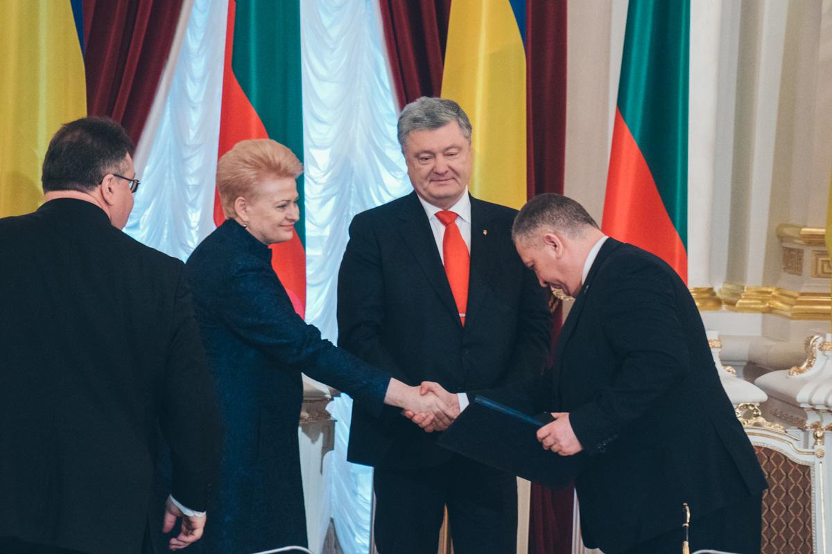 Главы государств подписали Дорожную карту развития стратегического партнерства между Украиной и Литовской Республикой на 2019-2020 годы