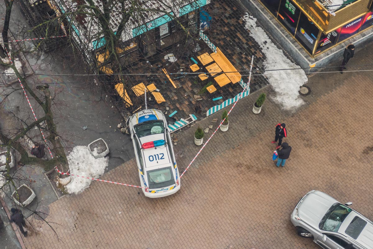 Разбившийся полицейский Prius с высоты
