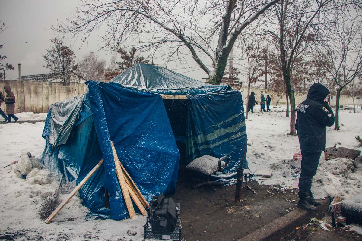 Умерший замерз в овощной палатке