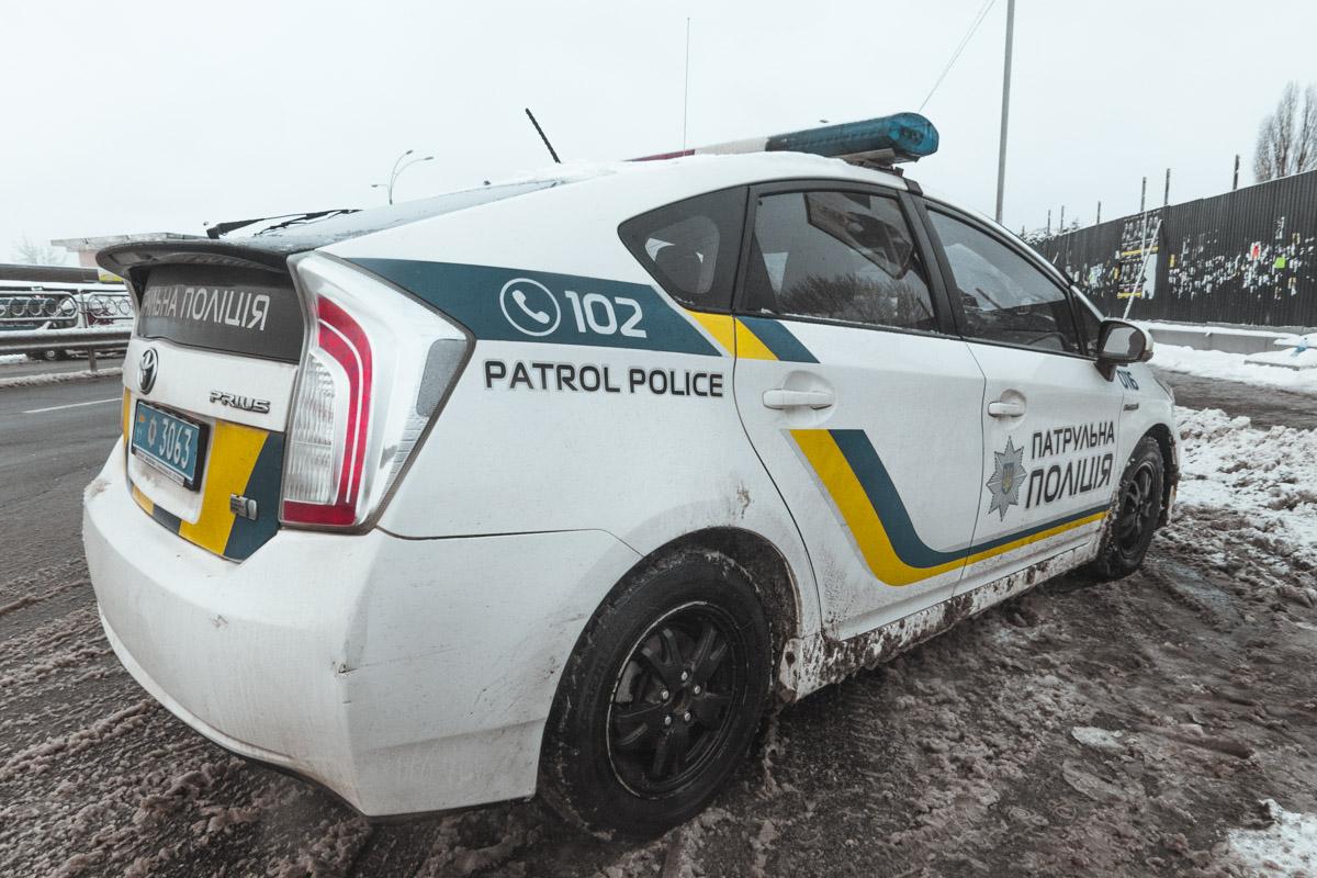 На месте происшествия дежурил полицейский патруль