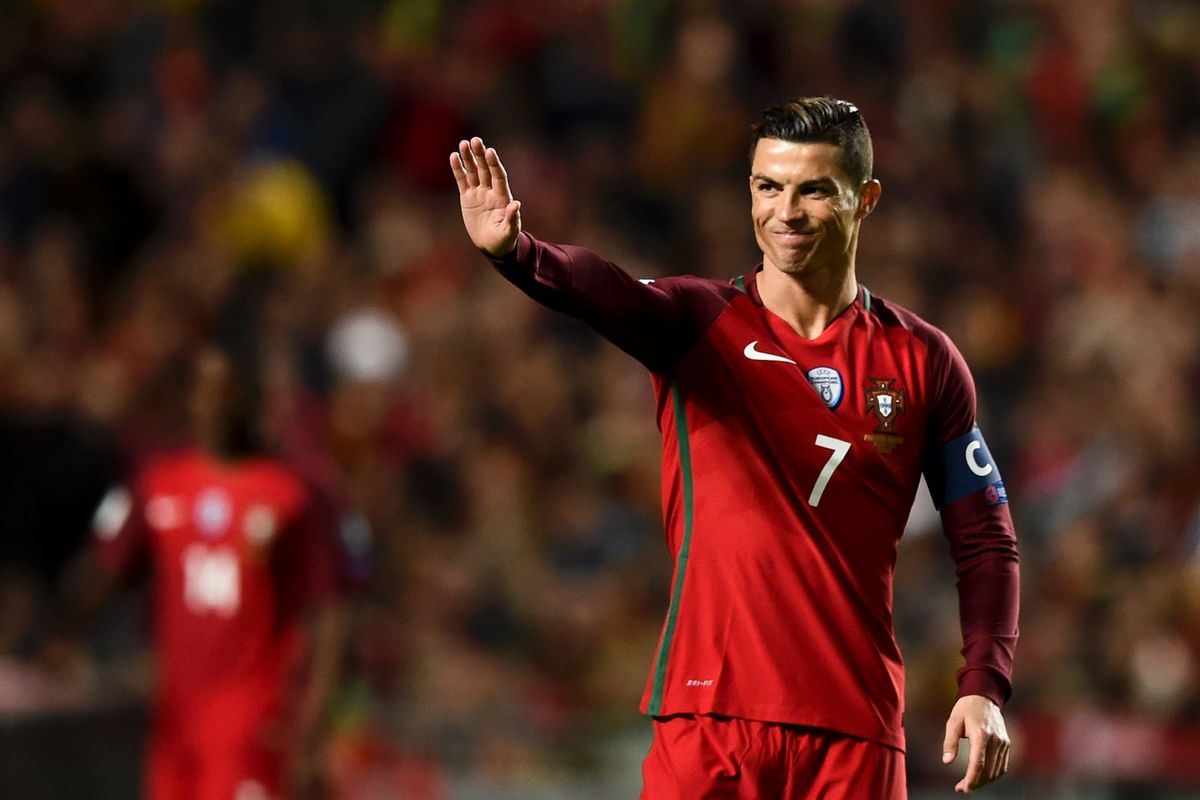 Криштиану Роналду - главная угроза в составе сборной Португалии