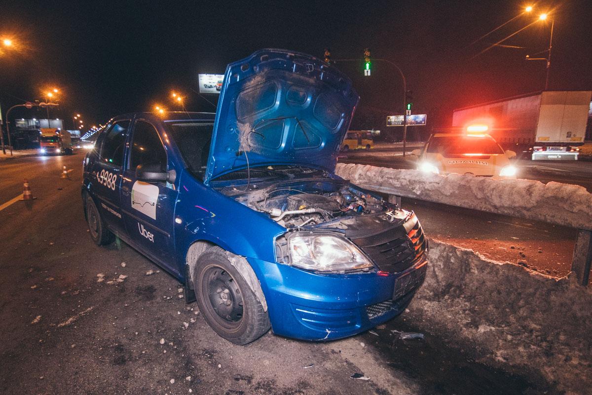 В ночь на 19 декабря в Киеве на Харьковской площади произошло масштабное ДТП