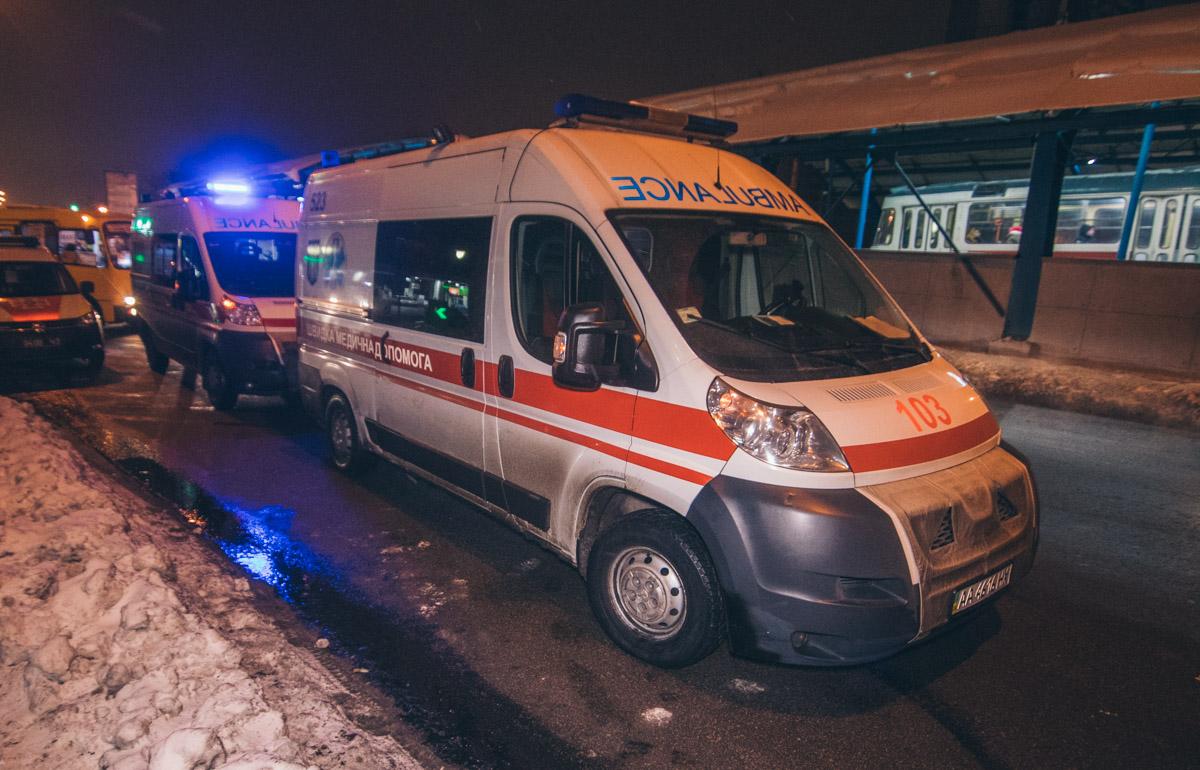 На месте работала патрульная полиция, медики, спасатели и следственно-оперативная группа