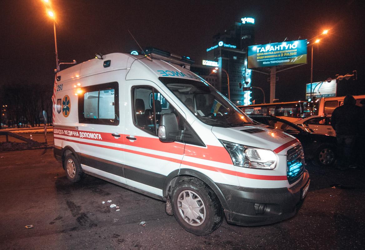 В результате аварии госпитализированы двое мужчин