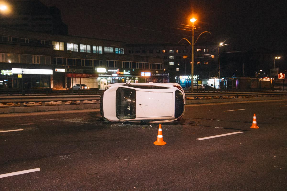 У водителя Ford Ka гематома на голове, однако от госпитализации женщина отказалась