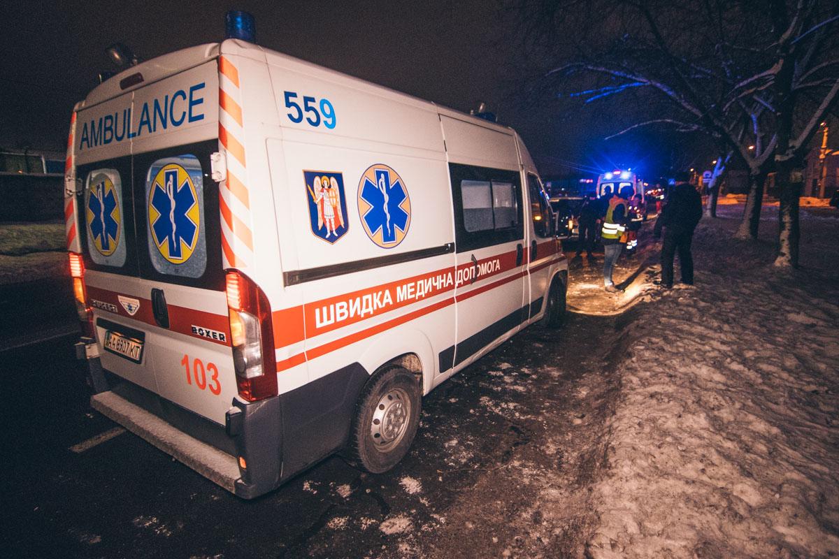 В результате аварии в больницу госпитализировали пешехода, водителя и пассажира