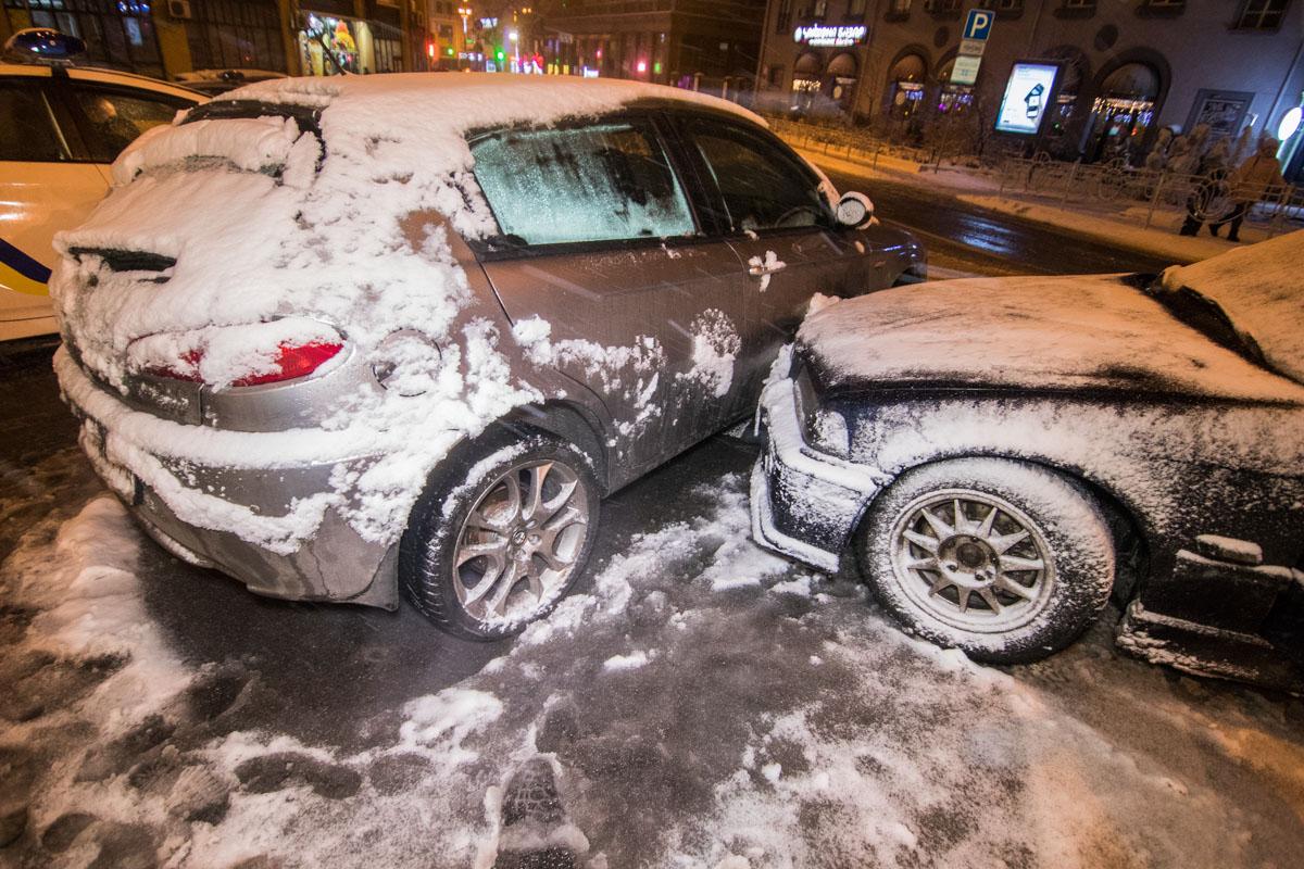 СтолкнулисьAlfa Romeo, BMW, Mercedes GL и Opel Omega