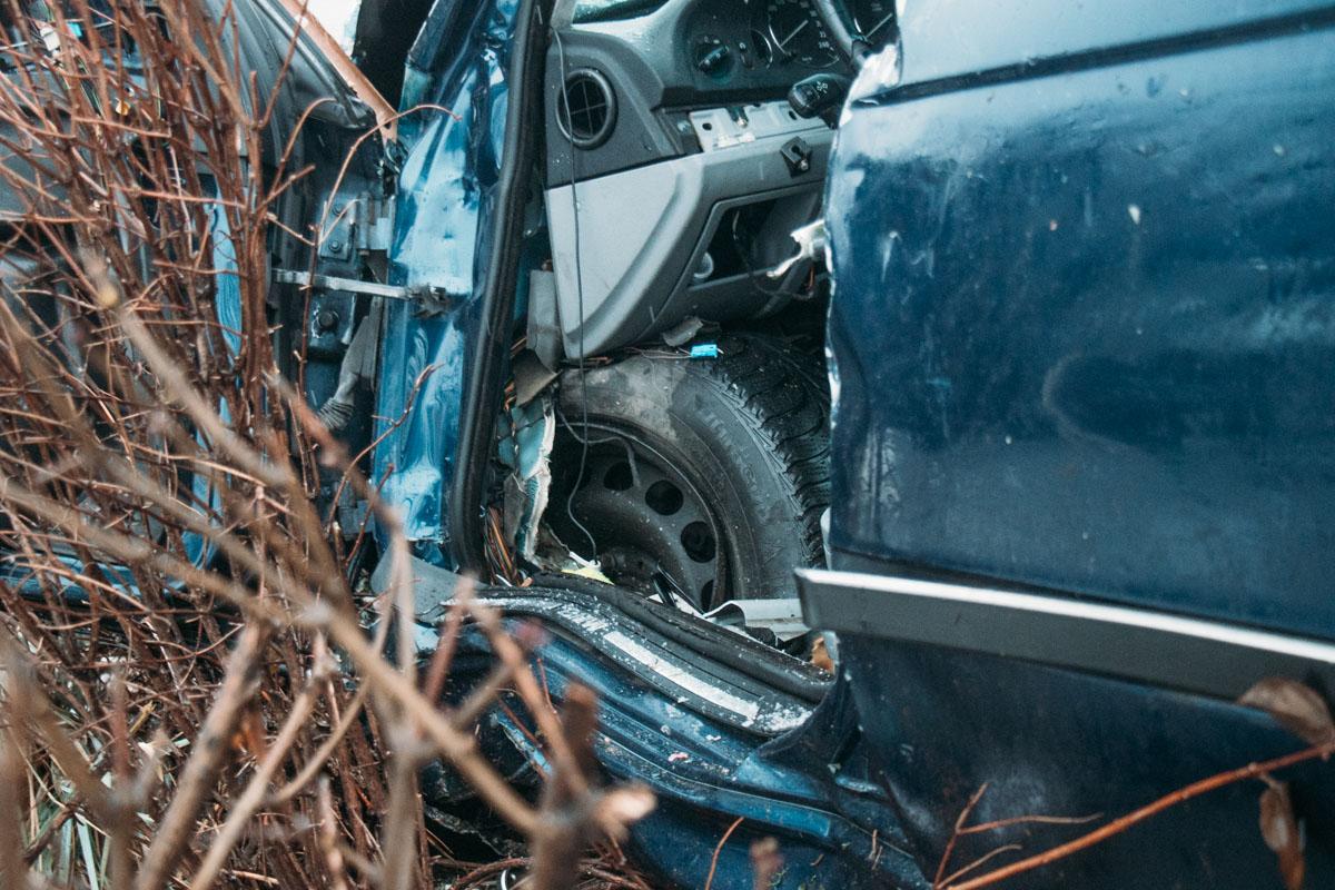 """Когда """"немец"""" подъезжал к развязке, по словам очевидцев, его подрезал грузовик """"Газель"""""""