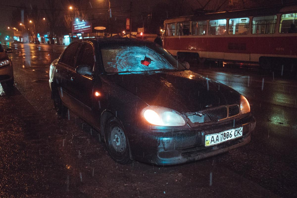 В среду, 12 декабря, в Киеве возле Дарницкого вокзала произошло ДТП