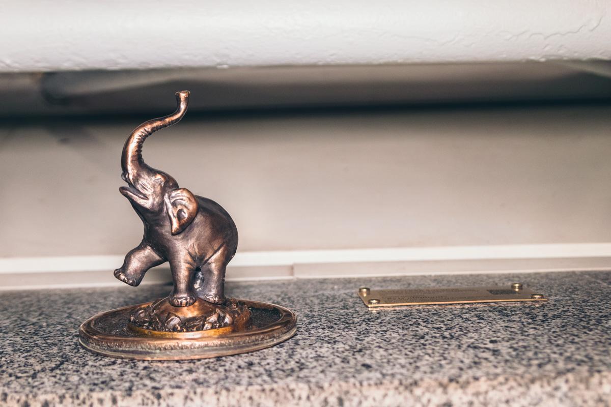 """Мини-скульптура """"Киевский слоник"""" теперь находится вТЦ Globus"""