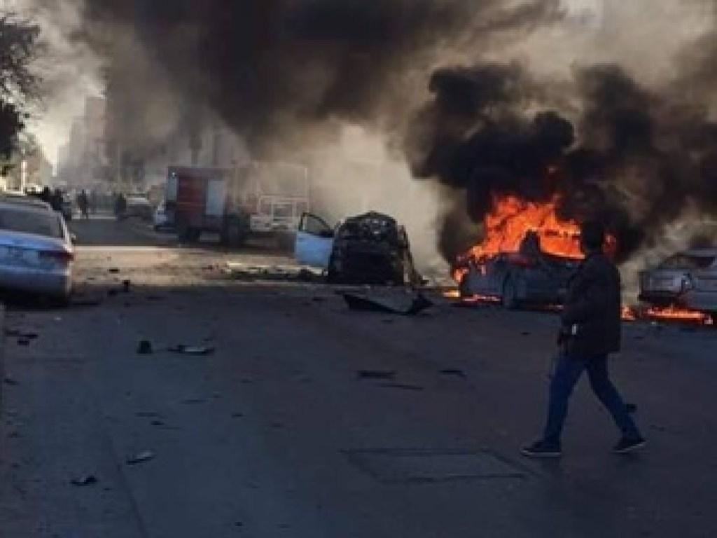 В столице Ливии – Триполи три террориста-смертника устроили теракт в здание Министерства иностранных дел