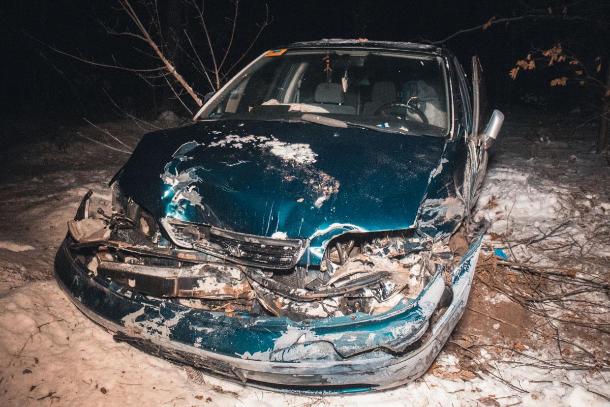 Под Киевом Honda вылетела в кювет
