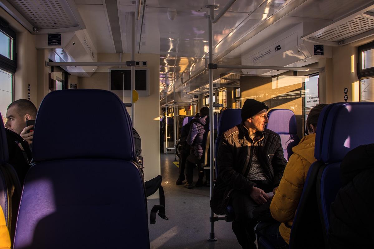Пассажирам экспресс понравился, так как в салоне тепло и чисто, туалет работает и рейсы регулярные