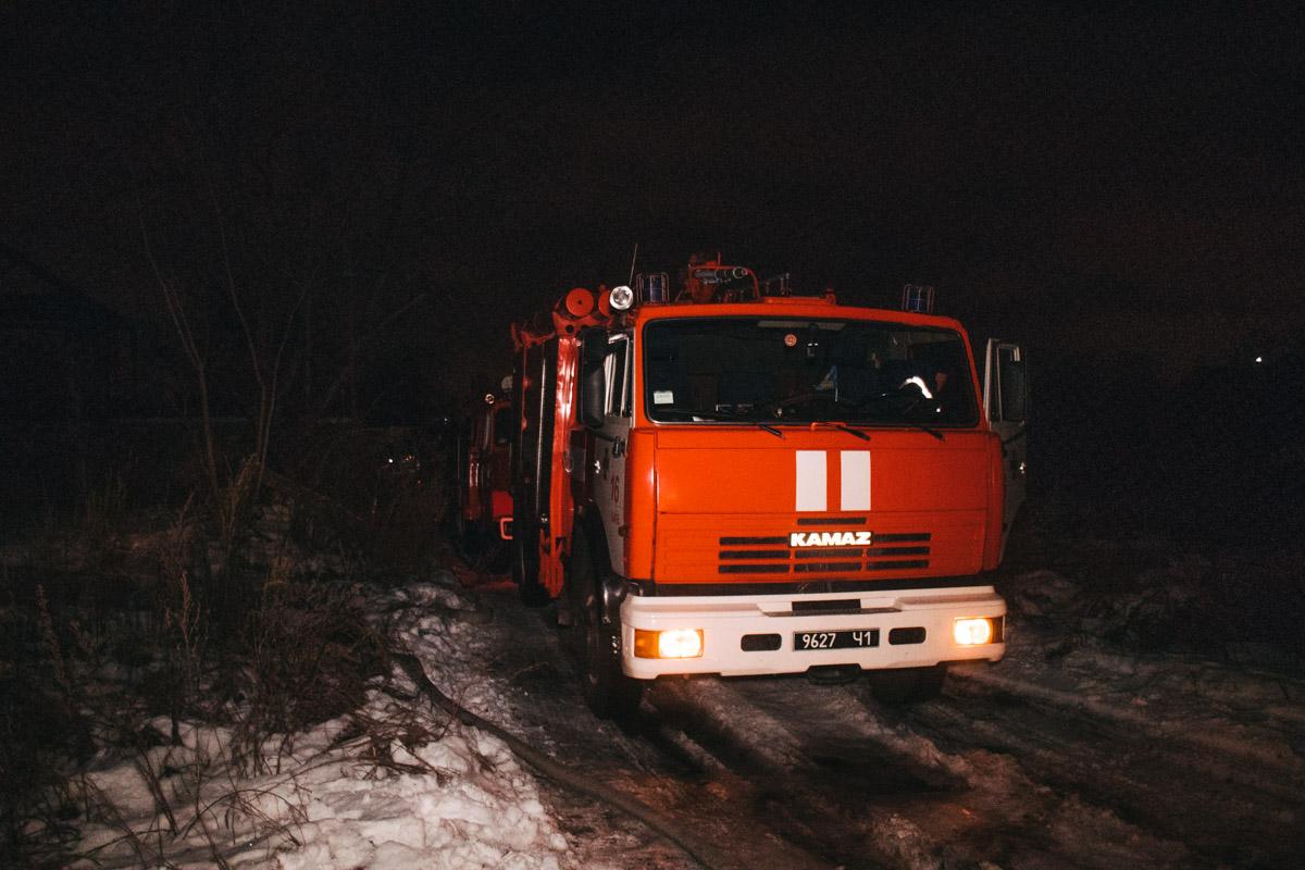 На месте работали две единицы пожарно-спасательной техники, а также дежурили медики и патрульные