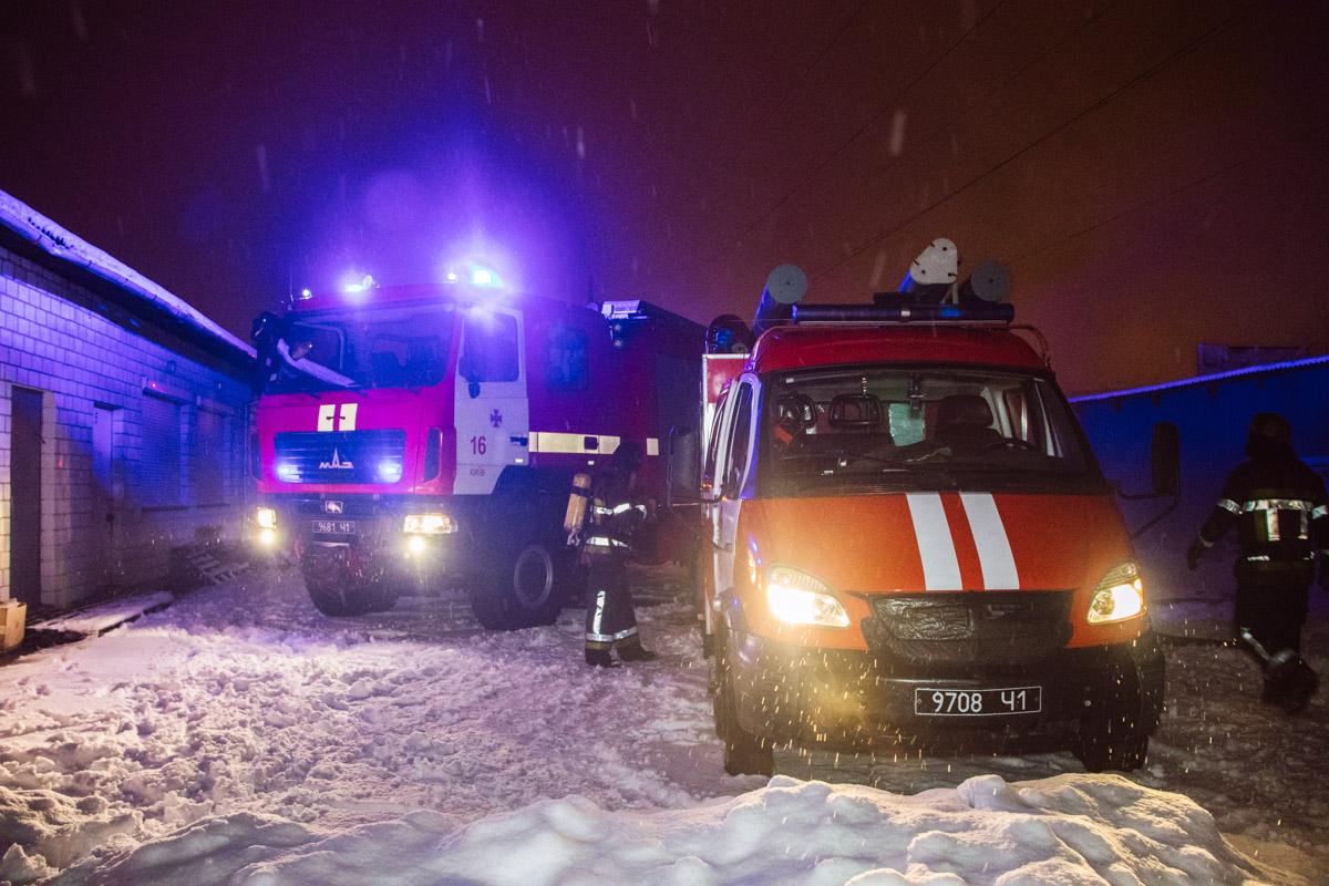 На месте работали шесть единиц пожарно-спасательной техники
