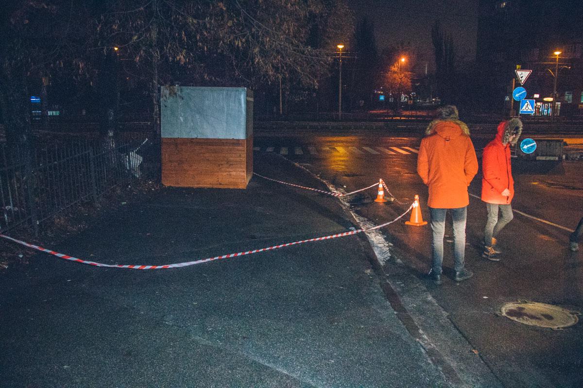 В ночь на 10 декабря в Киеве на перекрестке улиц Выборгская и Академика Янгеля произошла стрельба