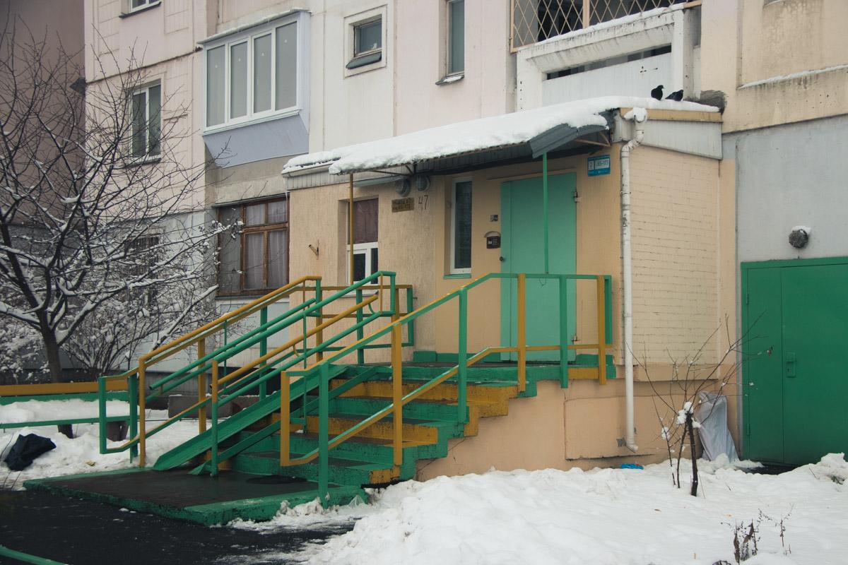 По предварительной информации, мужчина проживал на 8 этаже