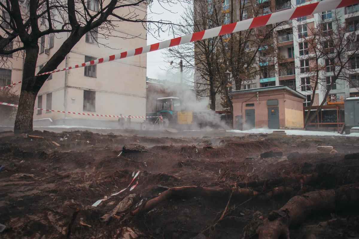 Из-за аварии в Голосеевском районе остались без отопления 30 зданий - 16 жилых домов, школа, детский сад и больница