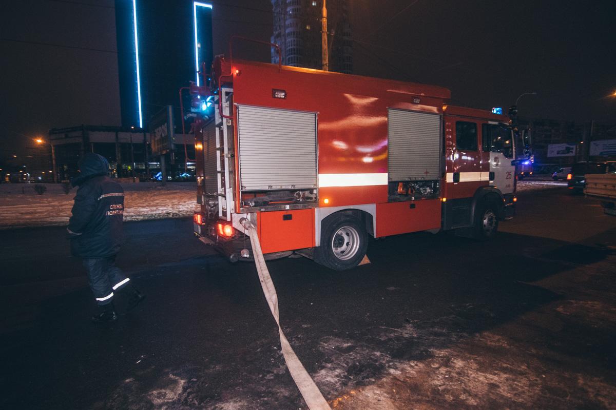 Согласно легенды, произошло возгорание во втором вагоне поезда, на линии станции метро «Минская»