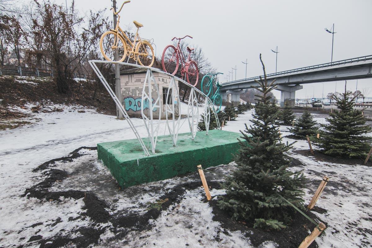 В Печерском районе появилась новая инсталляция