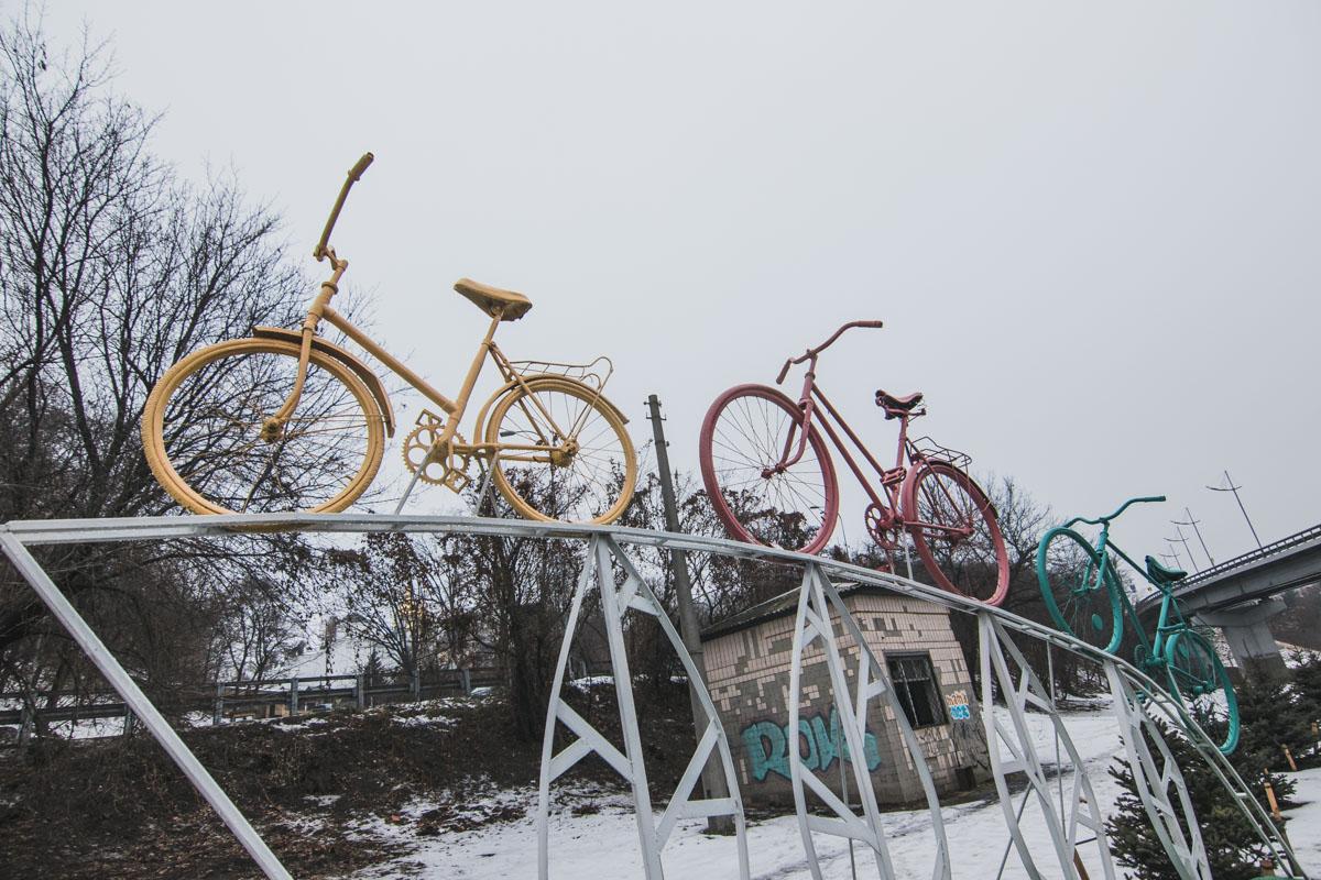 Объект назвали Велосипедная семья