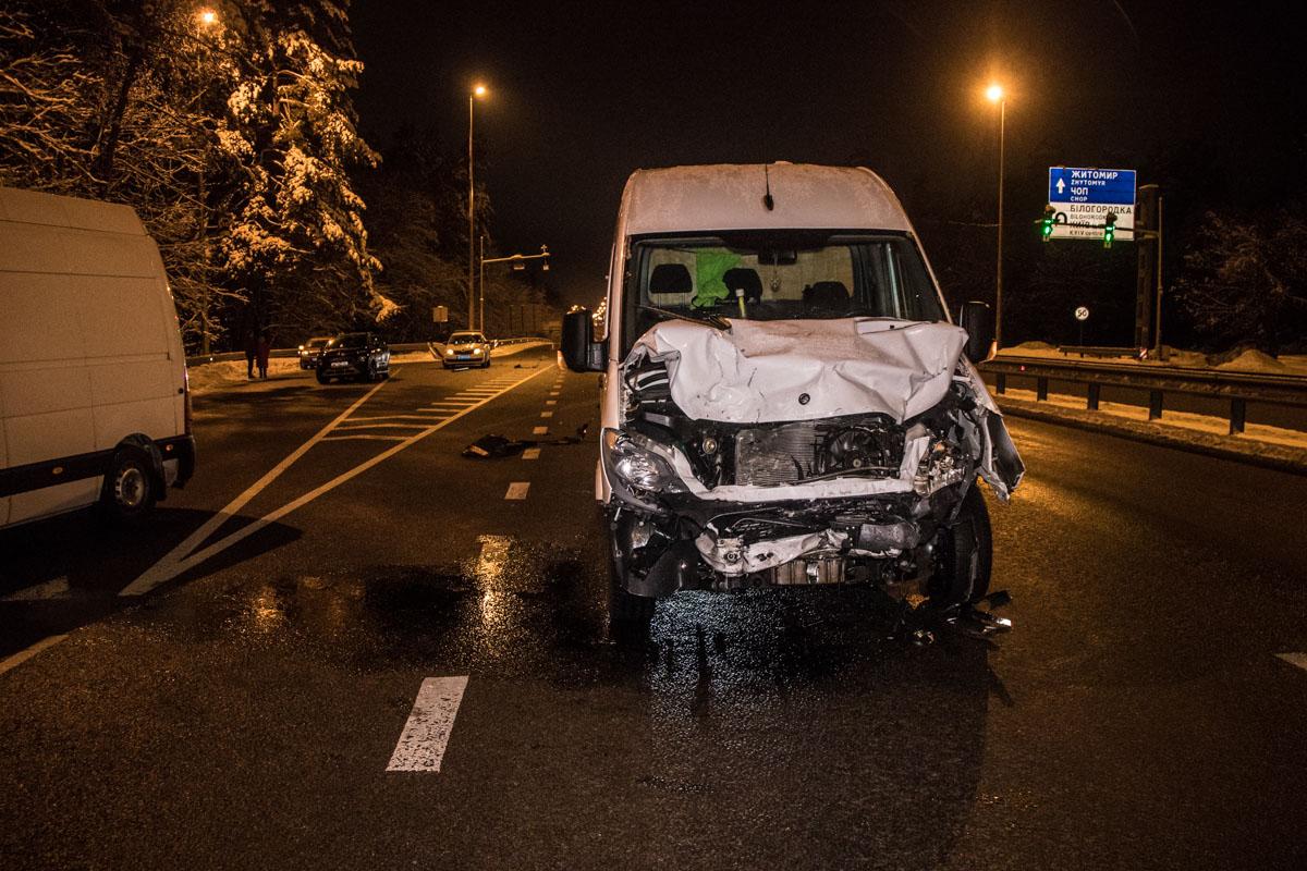 ВодительMercedes рассказал, что он не был сонным и просто не заметил стоящий маленький автомобиль