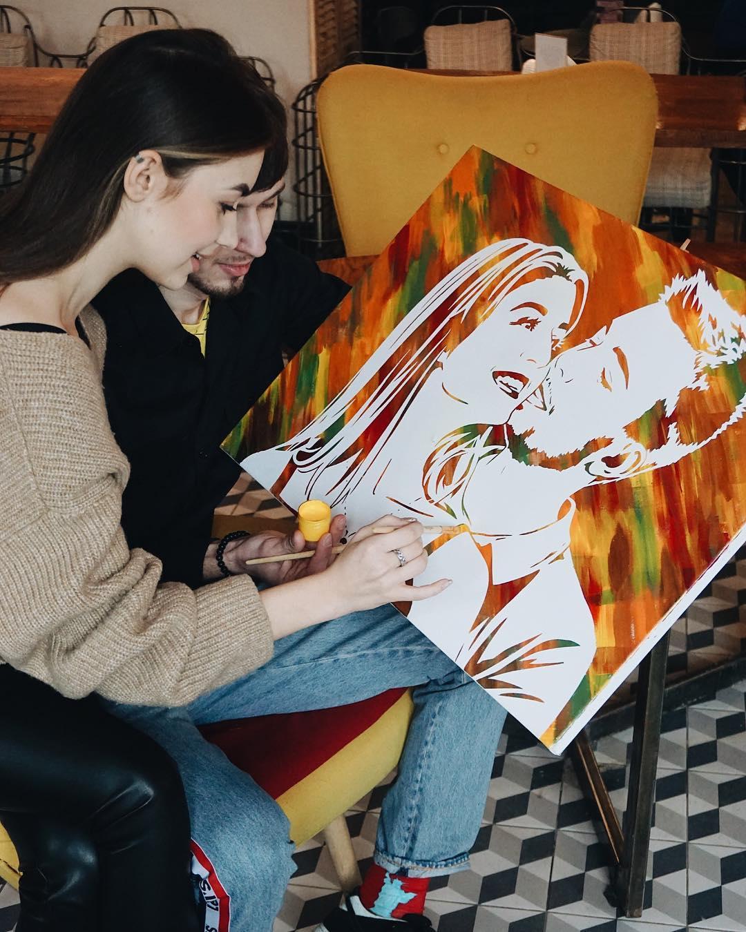 Для творческих личностей лучшим подарком станет картина по фото, которую можно создать самостоятельно. Instagram: @paintyou.art