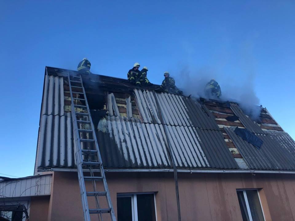 На улице Берковецкой произошел пожар в частном доме