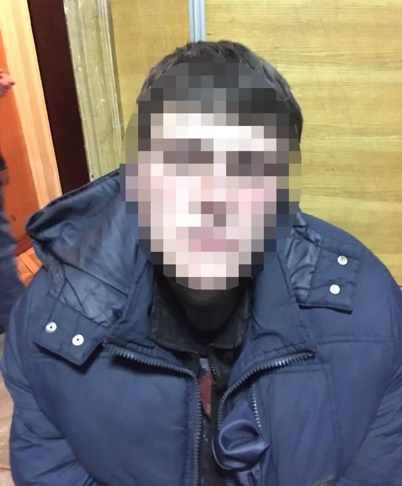 Полиция задержала злоумышленника, который накануне поджог здание в Киево-Печерской Лавре