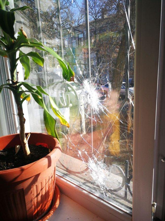 В Херсоне неизвестные прервали пресс-конференцию журналистов стрельбой и слезоточивым газом