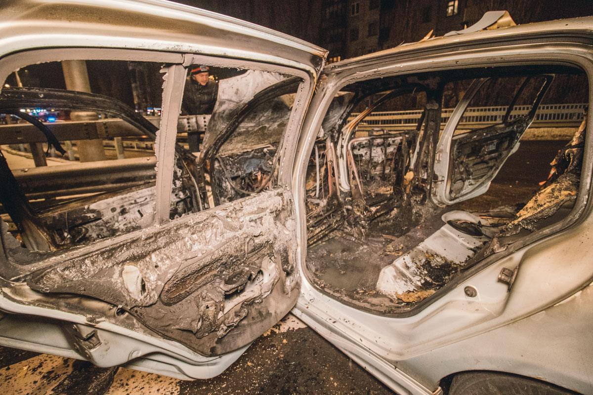 В Renault кроме водителя находились еще как минимум две девушки. Одну из них госпитализировали