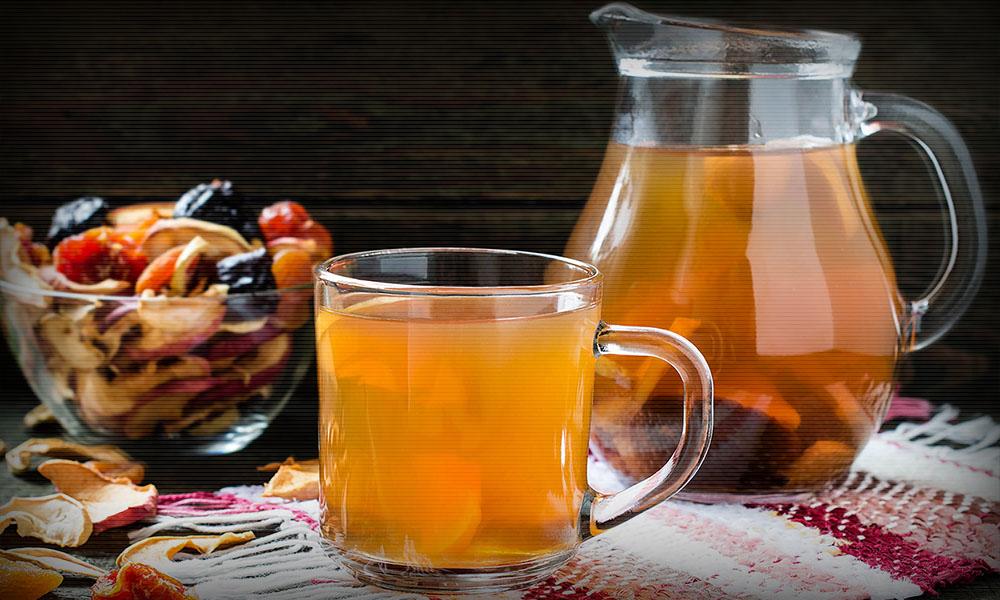 По традиции праздника, еду в этот вечер нельзя запивать водой, а только узваром