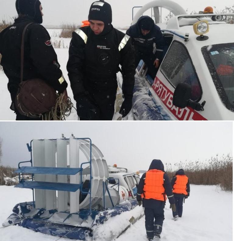 Трое экстремалов катались на снегоходах и провалились под лед. Одного из них до сих пор ищут
